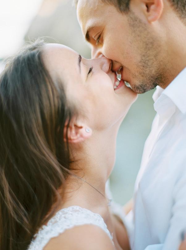 zdjęcia ślubne na tle chorwackiej plaży