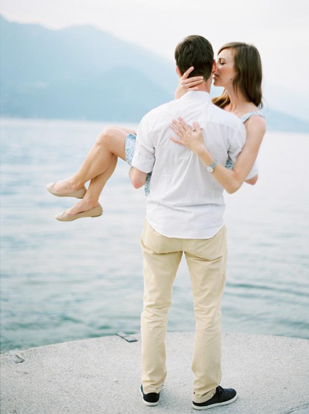 sesja zaręczynowa nad jeziorem como
