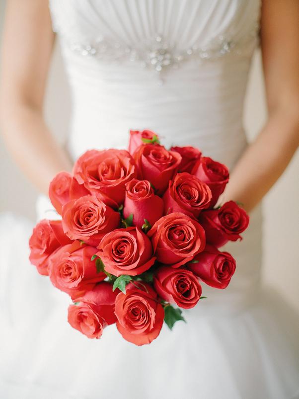 róże bukiet dla panny młodej