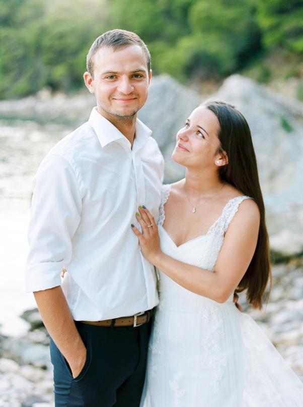 Zdjęcia ślubne plaża chorwacja zachód słońca para młoda Kodak Portra 400 Contax 645
